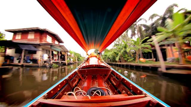 vídeos de stock e filmes b-roll de bangkok canal boat, thailand - cultura tailandesa