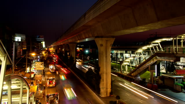Bangkok traffic flow in evening time video