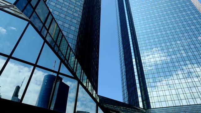 bank i frankfurt, panorering - panorering bildbanksvideor och videomaterial från bakom kulisserna