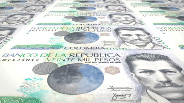 yirmi bin kolombiyalı peso kolombiya, nakit para, banknot döngü - kolombiya stok videoları ve detay görüntü çekimi