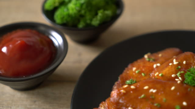 barbecue chicken wings with white sesame video