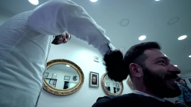 トルコ - 4 k 解像度で理髪店します。 - 美容室のビデオ点の映像素材/bロール