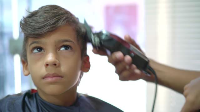 barber shop - fryzura filmów i materiałów b-roll