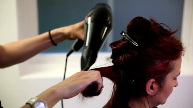 理髪店 - 髪型点の映像素材/bロール