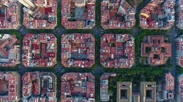 barcelona aerial view by drone - obiekt światowego dziedzictwa unesco filmów i materiałów b-roll
