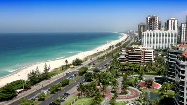 пляже barra da tijuca в рио-де-жанейро - проспект стоковые видео и кадры b-roll