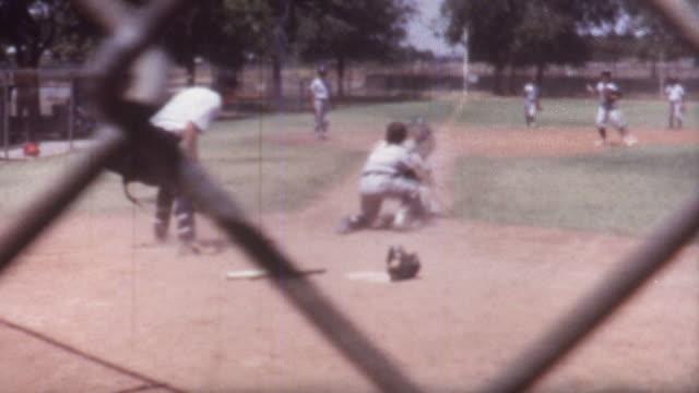 vidéos et rushes de baseball course 1970 - baseball