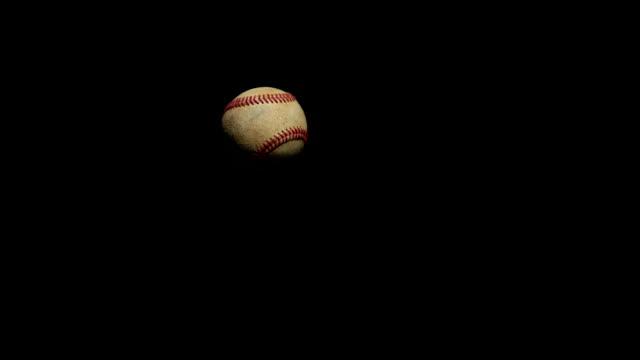 Beisebol deitada na câmera, - vídeo