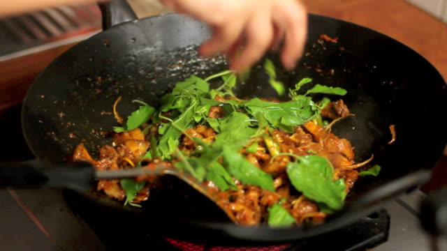 Basil on fry pork with curry video