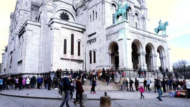 basilikan sacre coeur - montmatre utsikt bildbanksvideor och videomaterial från bakom kulisserna