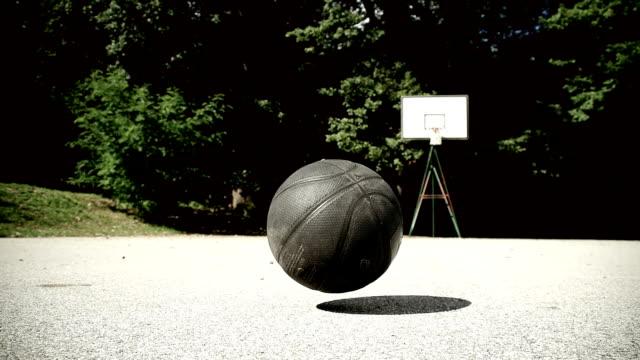 hd slow motion: basketball bouncing - basketboll boll bildbanksvideor och videomaterial från bakom kulisserna