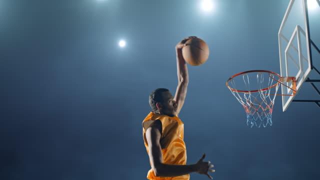 basket spel ögonblick - basketboll boll bildbanksvideor och videomaterial från bakom kulisserna