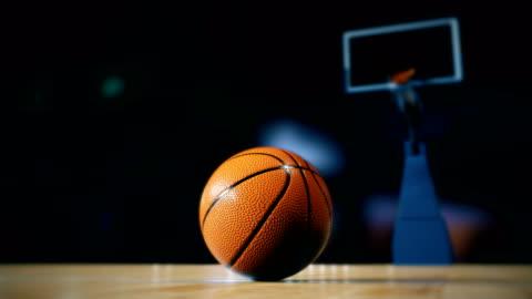 basket in campo - campo video stock e b–roll