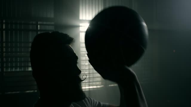 バスケットボール選手  - デイフェンス点の映像素材/bロール