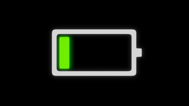 vídeos de stock, filmes e b-roll de carga da bateria no fundo preto. animação - carregamento atividade