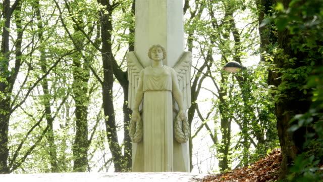 Battlefields of World War One in Belgium : angel sculpture french memorial video