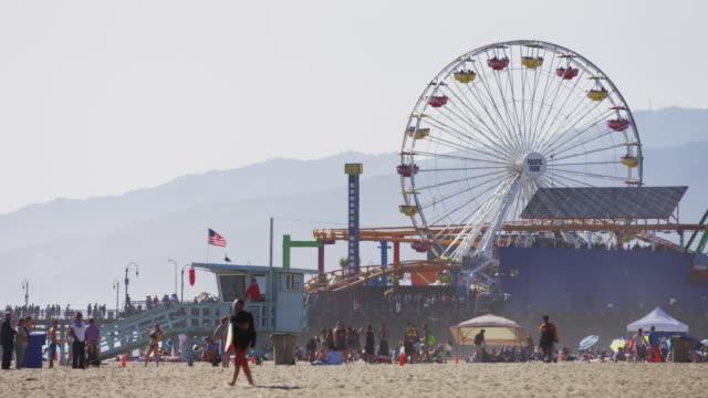 strand och en nöjespark - fritidsanläggning bildbanksvideor och videomaterial från bakom kulisserna