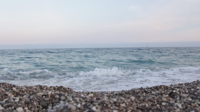 beach and waves - ghiaia video stock e b–roll
