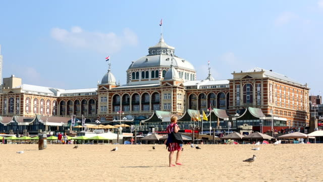 stockvideo's en b-roll-footage met beach from scheveningen, close to den hague, time lapse - den haag