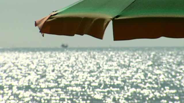 HD: Beach umbrella video
