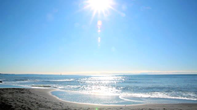 ビーチで太陽 - 海点の映像素材/bロール