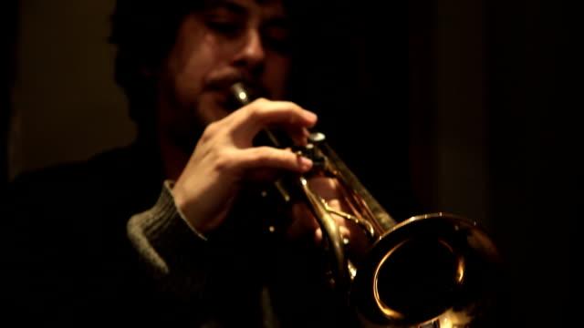 Beatnik trumpet player up close video
