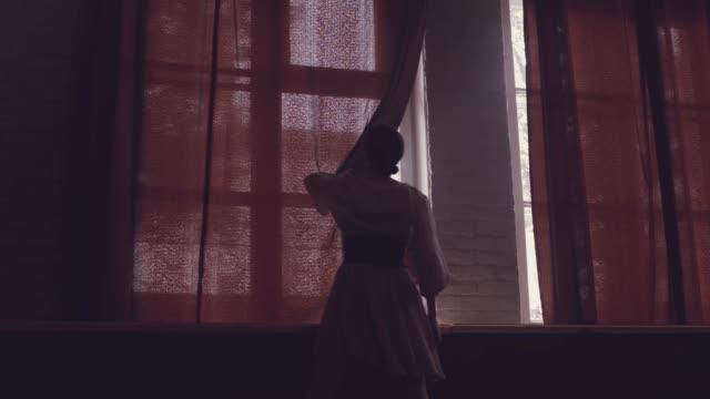 美しいバレエ ダンス。朝。ウィンドウ。 - バレリーナ点の映像素材/bロール