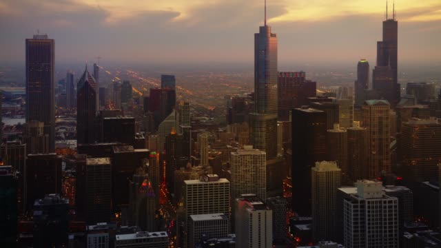 Beautiful chicago city centre at sunset
