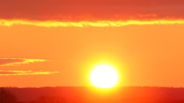 美しい日の出します。HQ 4 :4 :4 MB (RGB )。 ビデオ