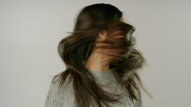 vidéos et rushes de beaux cheveux pendant des jours - soins capillaires
