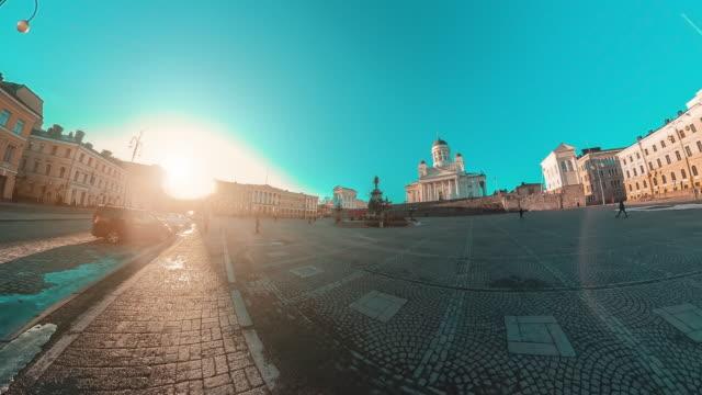 vídeos de stock, filmes e b-roll de catedral bonita de helsínquia no por do sol em finlândia - monumento