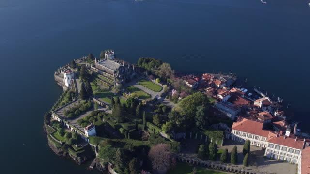 vídeos de stock e filmes b-roll de bela isola ilha bella no lago maggiore - lago maggiore