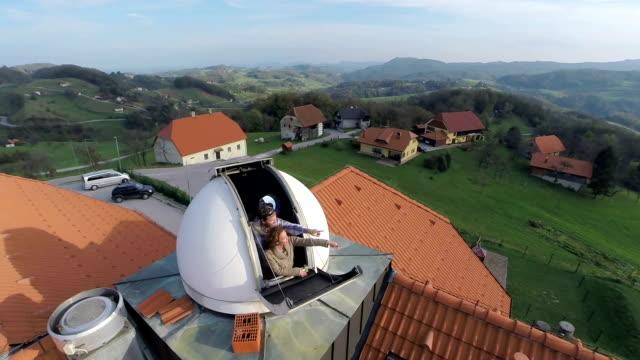 vidéos et rushes de magnifique paysage, depuis l'observatoire - réfracteur