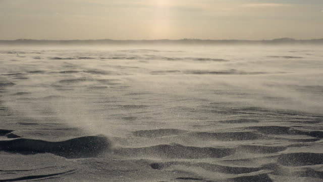 beautiful landscape with snowy relief surface and strong wind - incisione oggetto creato dall'uomo video stock e b–roll