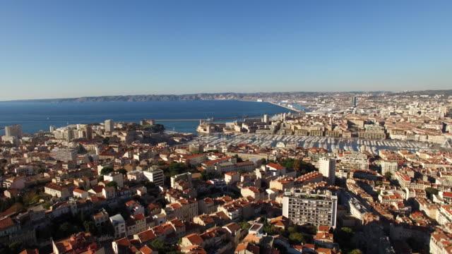 stockvideo's en b-roll-footage met luchtfoto mooie haven van marseille - marseille