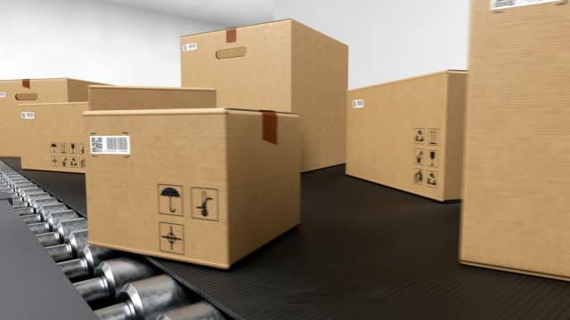 schöne pakete bewegen auf förderband system nahtlos. kartons mit qr-code transport in delivery service looped 3d animation. logistikkonzept. - schachtel stock-videos und b-roll-filmmaterial