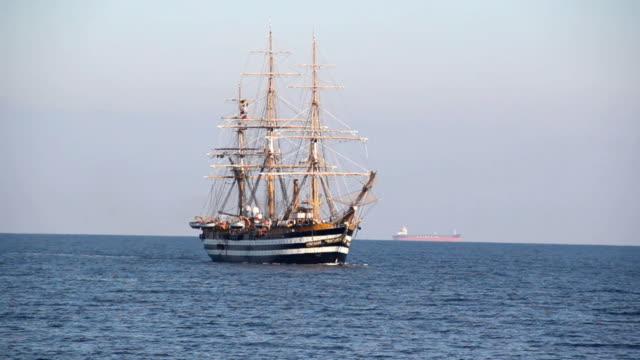 美しい帆船 ビデオ