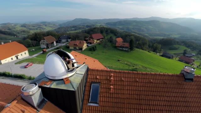 vidéos et rushes de superbe scène de observatory - réfracteur