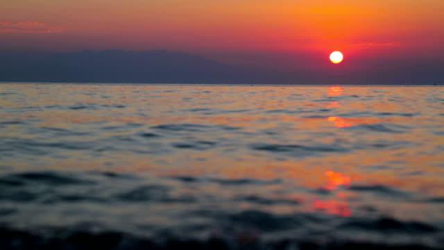 beautiful sunrise over the sea - побережье мексиканского залива сша стоковые видео и кадры b-roll