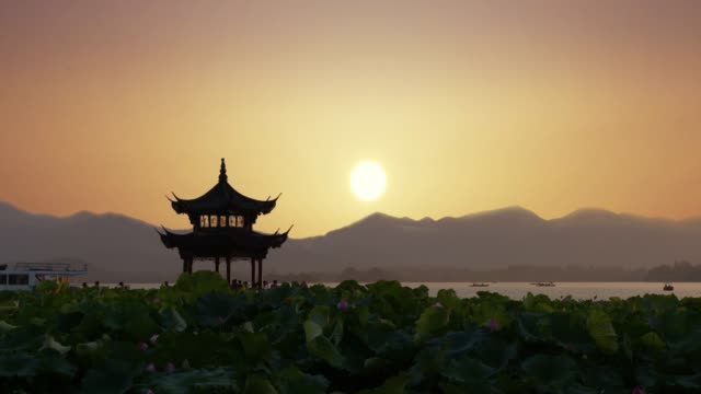 beautiful sunrise with an ancient pagoda. - tempio video stock e b–roll