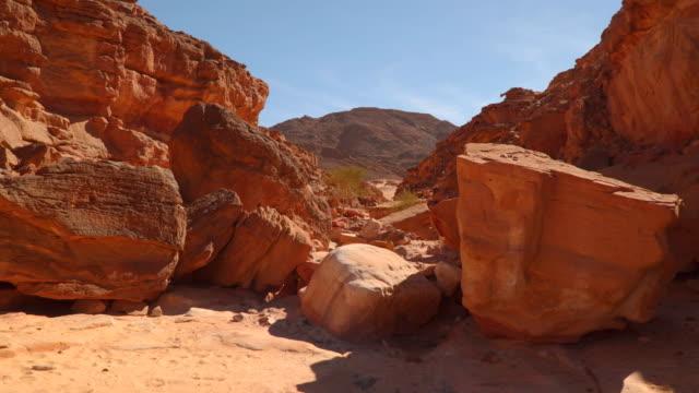 schöne aussicht auf den canyon. ägypten - sandstein stock-videos und b-roll-filmmaterial