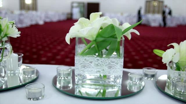 bellissimi fiori matrimonio - trillium video stock e b–roll
