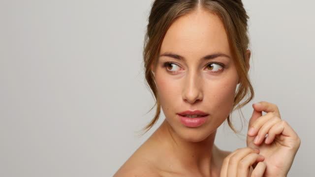 美しい女性の顔 - スーパーモデル点の映像素材/bロール
