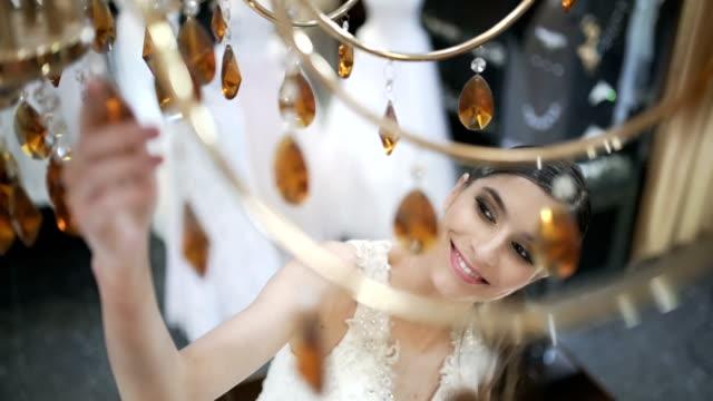 vídeos de stock, filmes e b-roll de brilho de beleza - boutique