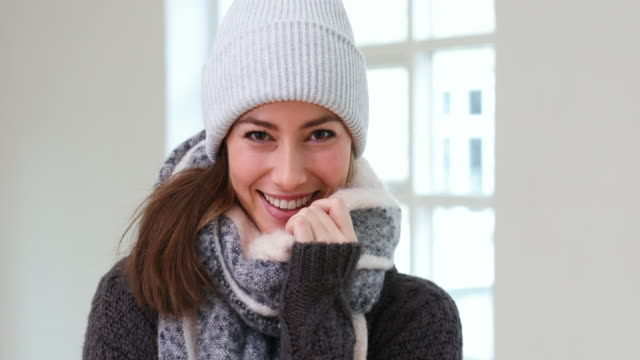 beauty in knitwear - cappello video stock e b–roll