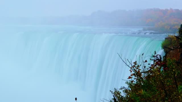 vídeos de stock, filmes e b-roll de beleza na natureza - niagara falls - eua / canadá - rio niagara