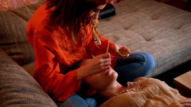 Beauty-Spa-Behandlung zu Hause – Video