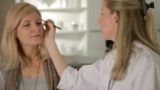 Beauty therapist video