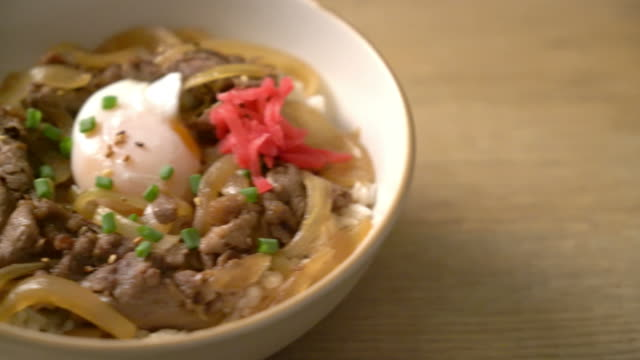 beef sliced on topped rice (GYUU-DON)