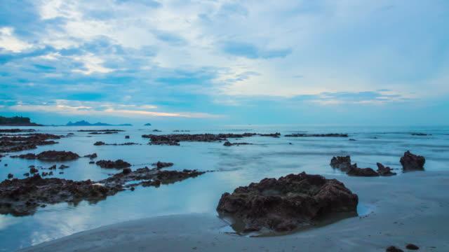 stockvideo's en b-roll-footage met voor zonsopgang op zee - duurzaam toerisme